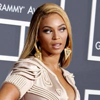 Beyonce Bans Professional Photographers from Mrs Carter Concert Tour