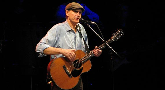 James Taylor Gets Italian Groove Flowing