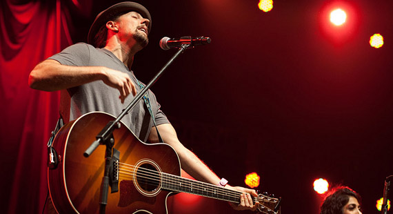 Jason Mraz Lines Up Dates for World Tour
