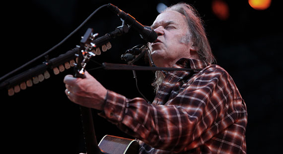 Neil Young Sets Pono Music Service Launch for Early 2014