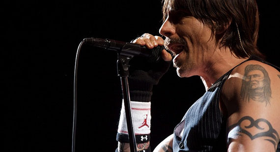 Kiedis Foot Surgery Pushes Red Hot Chili Peppers Tour Back to March