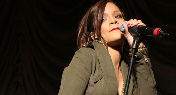 Rihanna, Eminem Team Up for Monster Stadium Tour